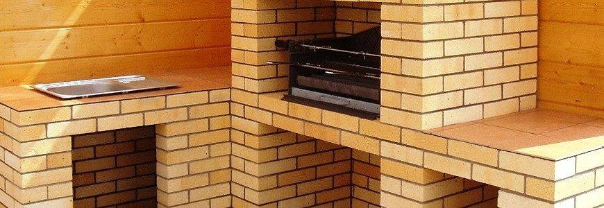 Огнеупорный кирпич – незаменимый стройматериал для обустройства печей и каминов