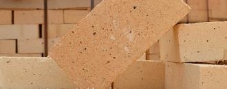 Почему огнеупорный кирпич — лучшее решение для строительства печи?