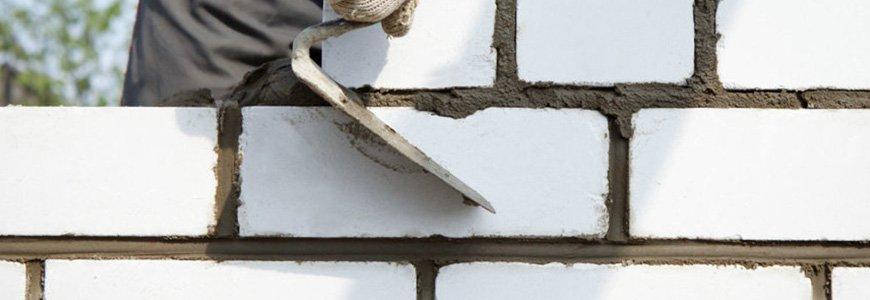 Силикатный кирпич: основные особенности и преимущества строительного материала